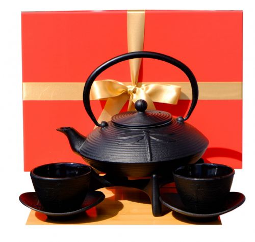 Gift Box - Cast Iron Black Dragonfly Tea set D2 - Tetsubin teapot kettle, star trivet & cups X2